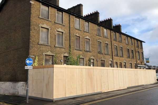 Hoarding and Fencing